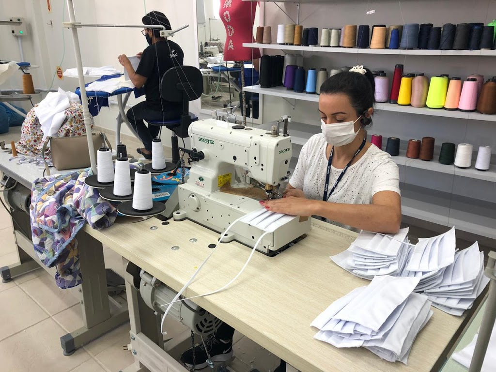 Reflexões sobre a profissão de costureira